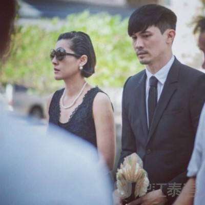 Ken妻子Noi痛失母亲 全家为其举办葬礼图片