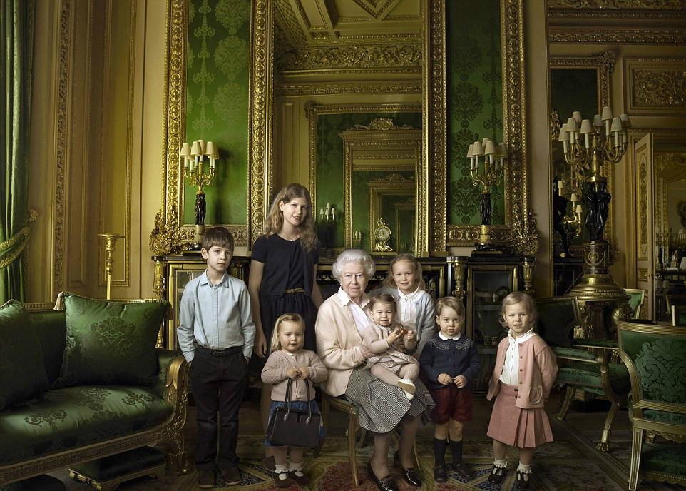 英国女王90大寿:珍贵皇室照片曝光