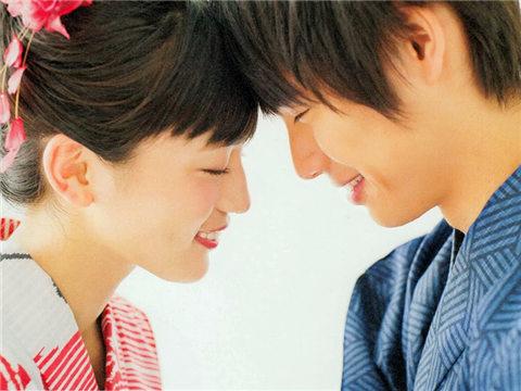 """日本人如何委婉地表达""""我爱你""""?"""